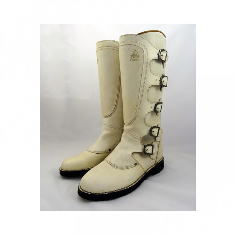 Dastra boots custom white