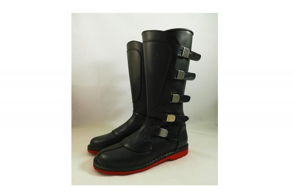 Dastra boots Five Buckles with red Vibram sole.
