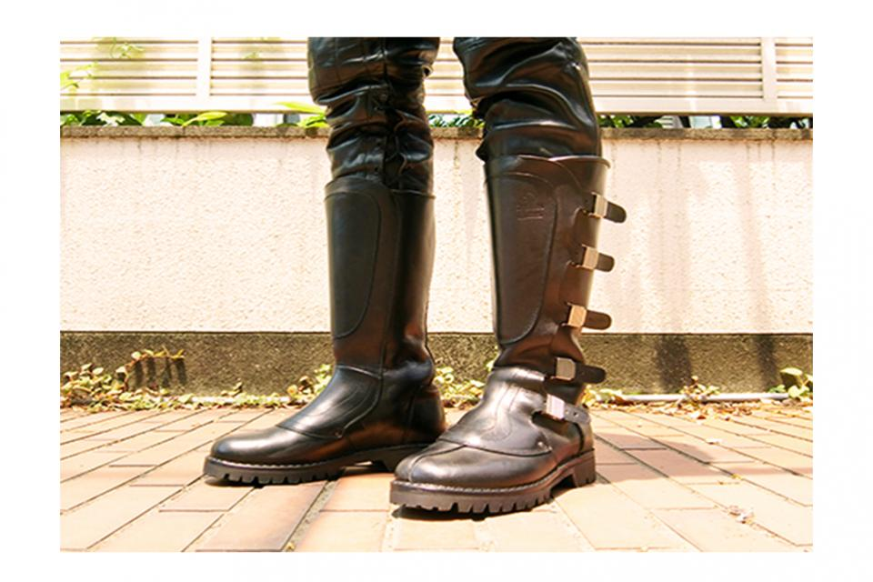 Dastra Five buckles boots