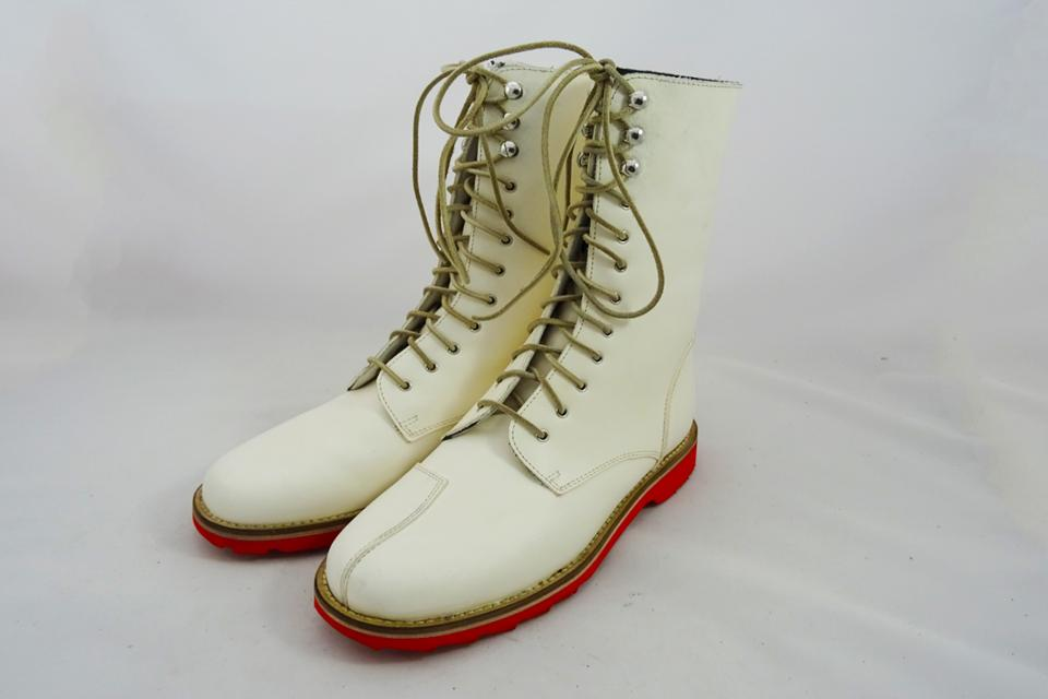 Dastra boots White Version.